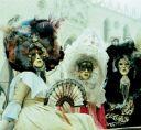 http://www.buecher-wiki.de/uploads/BuecherWiki/th118---ffffff--masken3_werner_wind_pix.jpg.jpg