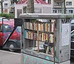 Die Offene Bibliothek in Mainz, Feldbergplatz - (c) by Horst Pietrek