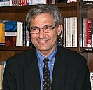 Orhan Pamuk 2009 - - (c) David Shankbone/Wikipedia.org