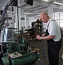 Im Museum für Druckkunst Leipzig führen Fachleute die Maschinen vor. - (c) Gisela Rößler