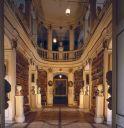 https://www.buecher-wiki.de/uploads/BuecherWiki/th128---ffffff--rokokosaal_maik_schuck.jpg.jpg