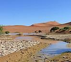 Wasser in der Wüste - (c) Rosel Eckstein/Pixelio.de